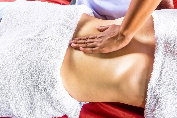 Massage ayurvédique VS massage ordinaire
